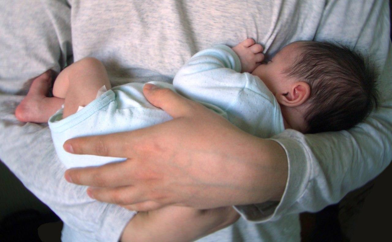 К чему снится что родила ребенка от бывшего парня
