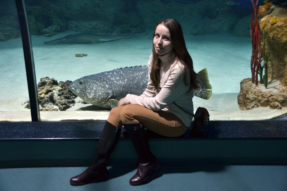 17. Оля с той же рыбиной